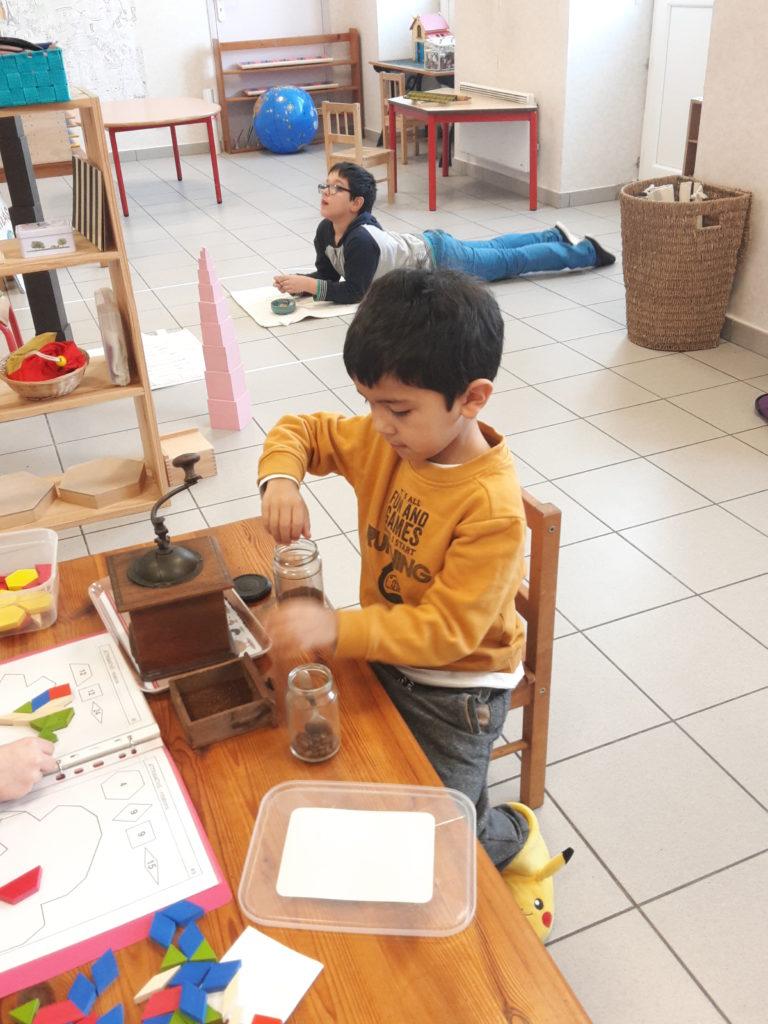 Classe Maternelle Montessori 3/6 ans, tour rose